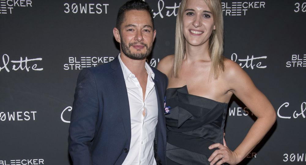 Herec Jake Graf s manželkou trangenderkou Hannou Graf