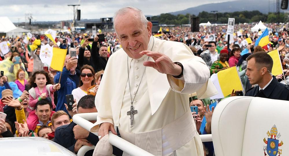 Papež František v Dublinu. Ilustrační foto