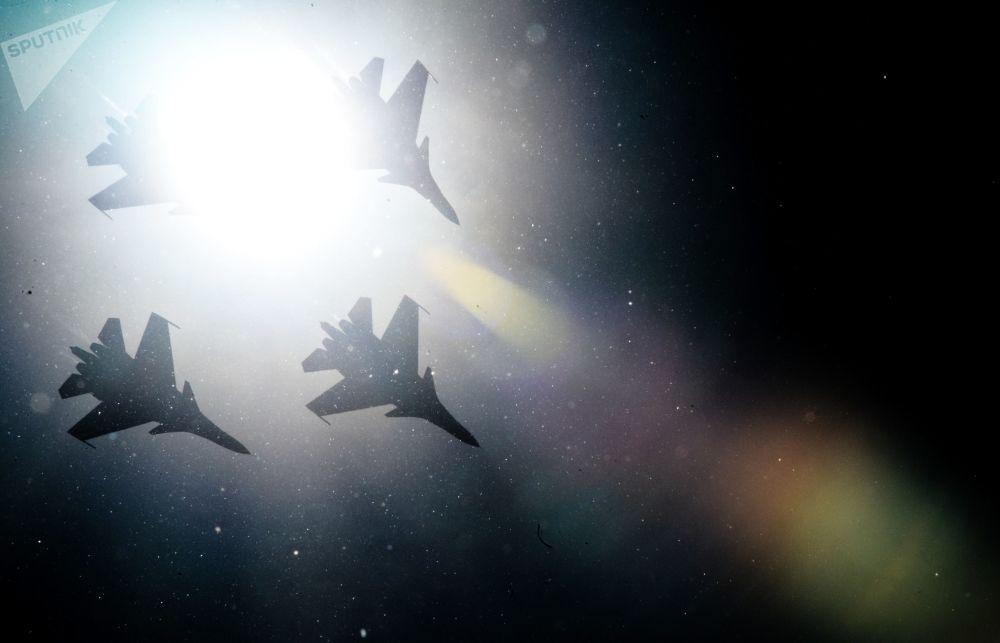"""Stíhačky Su-30SM skupiny """"Russkije Vitjazi"""""""
