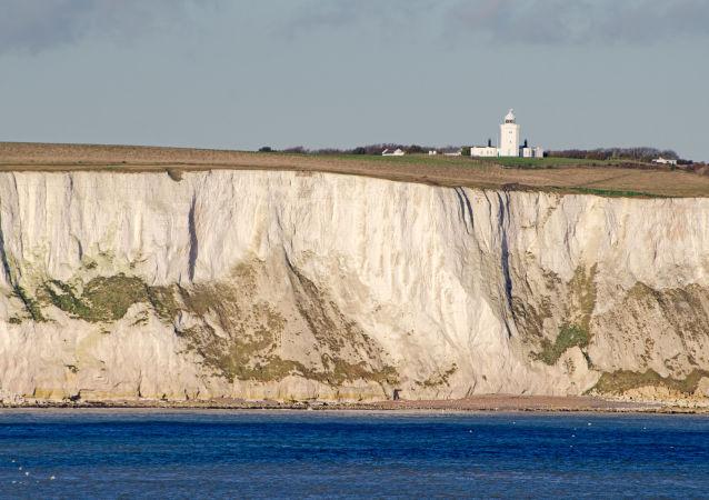 Doverská úžina (také Calaiská úžina)