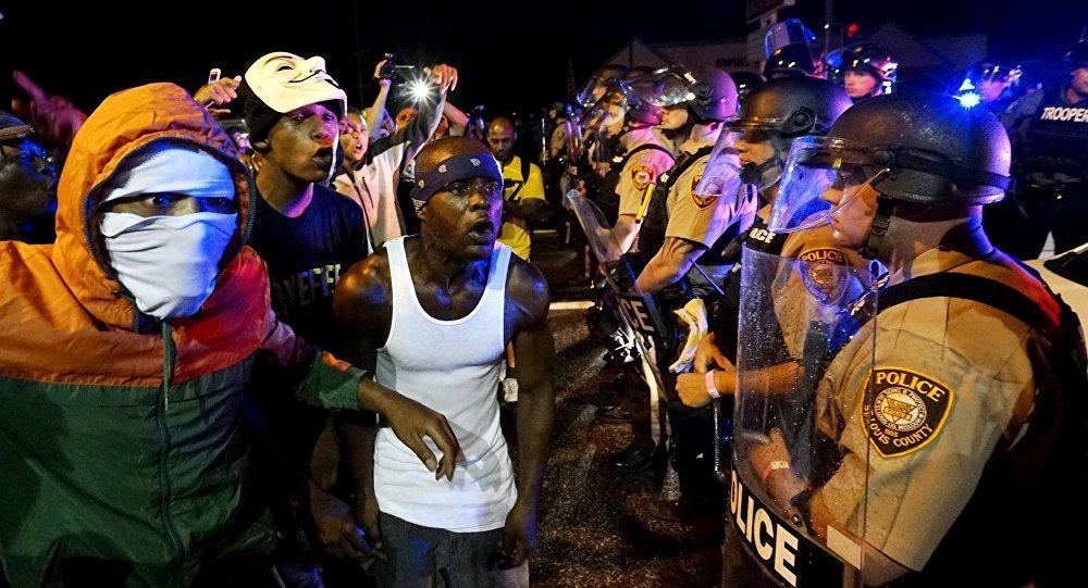 Účastníci nepokojů ve Fergusonu