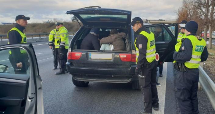 Česká policie zadržela migranti z Iráku