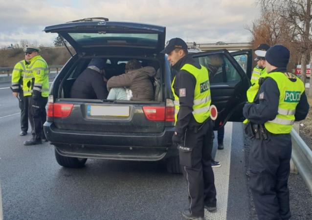 Česká policie zadržela migranty