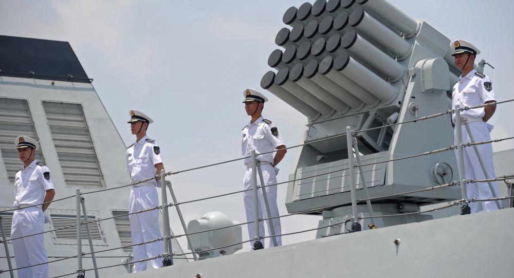 Čínští námořníci na palubě lodě Wei Fang