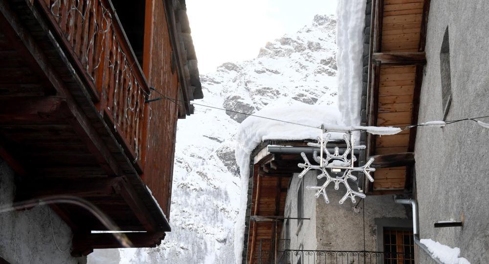 Zasněžené Alpy. Ilustrační foto