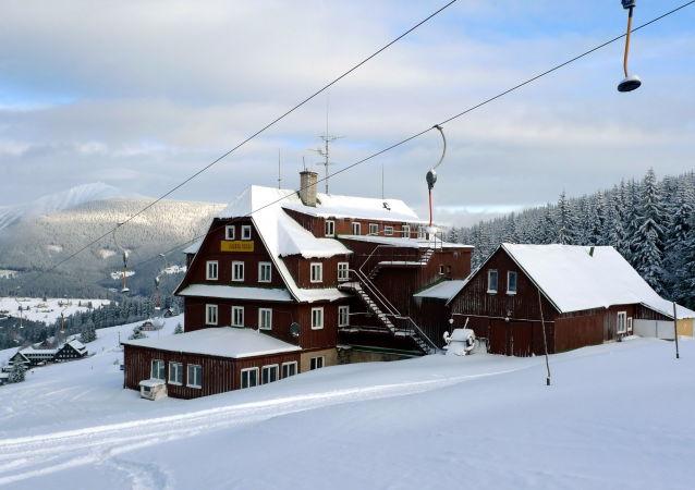 Husova bouda nad Pecí pod Sněžkou