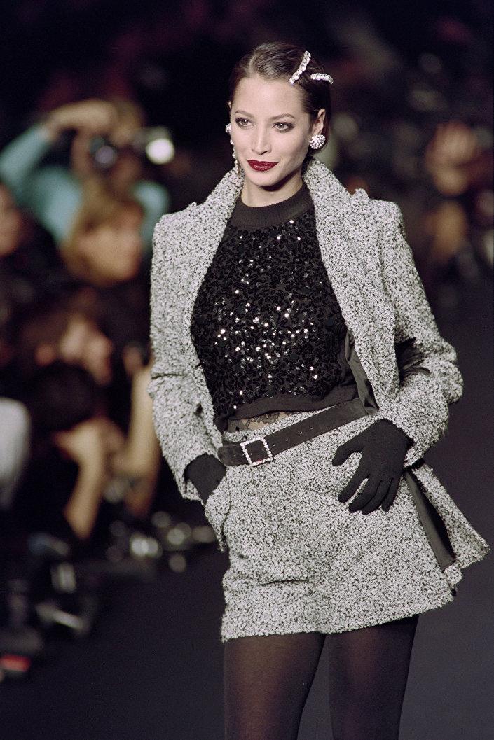 Legendární americká top modelka Christy Turlington, 1994