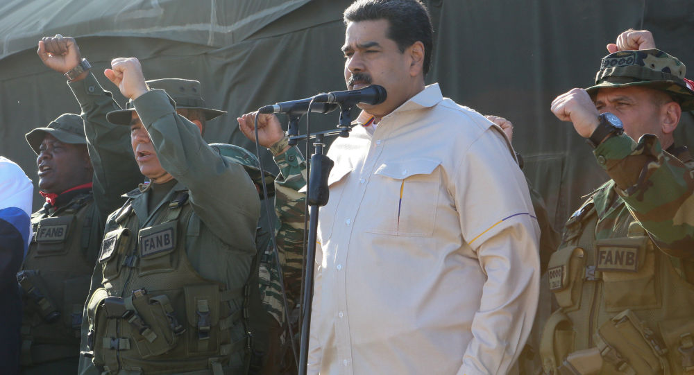 Venezuelská armáda nařídila okamžité nasazení sil na hranici s Kolumbií