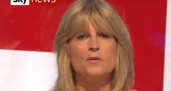 Sestra Borise Johnsona se svlékla v televizi na protest proti Brexitu