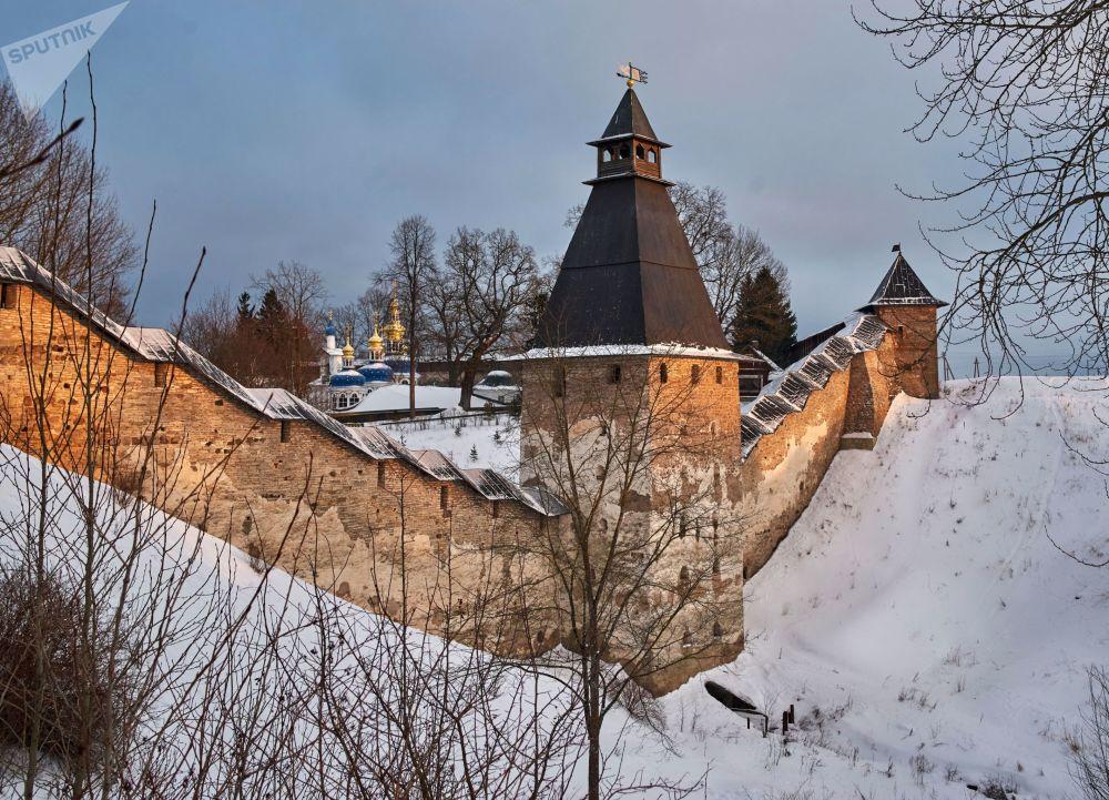"""Nejstarší ruské městské pevnosti """"kremly"""""""