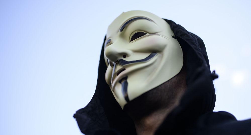 Člověk v masce Anonymous