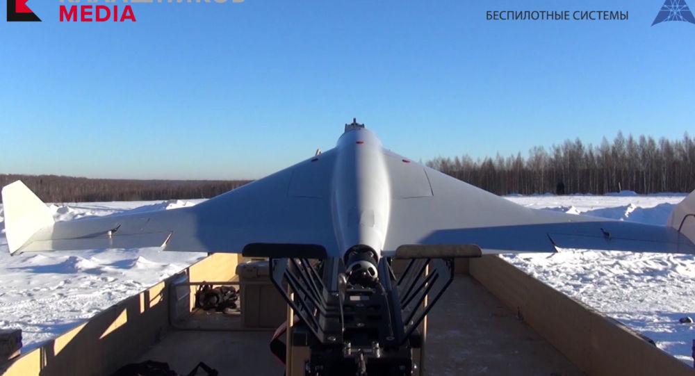 Bezpilotní dron-kamikaze KYB ruské společnosti Kalašnikov