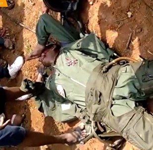 Srážka dvou vojenských letounů v Indii. Záběry z tragédie