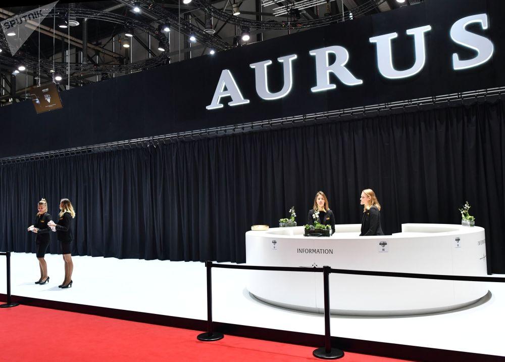 Ruský rozsah: Limuzína Aurus způsobila na ženevském autosalonu senzaci