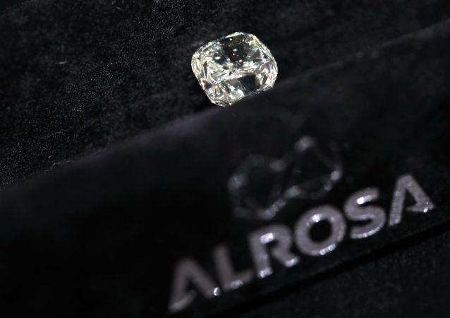 Diamant společnosti Alrosa na výstavě diamantů