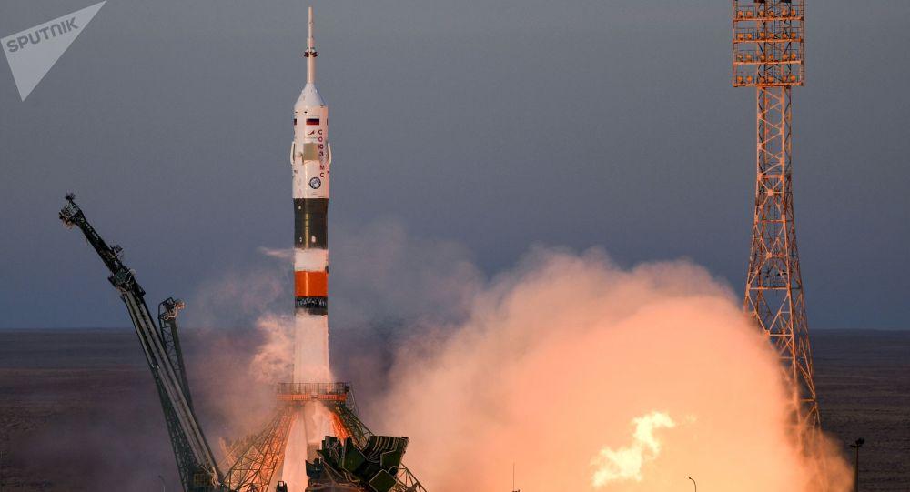 Start nosné rakety Sojuz-FG