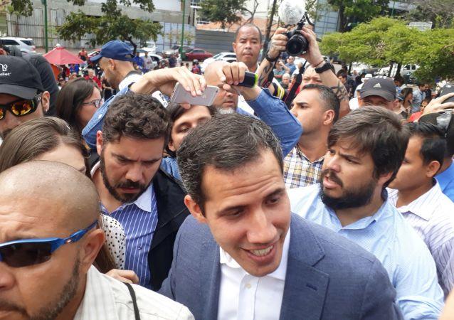 Lídr venezuelské opozice Juan Guaidó