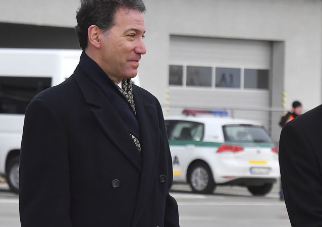 Americký velvyslanec na Slovensku Adam Sterling