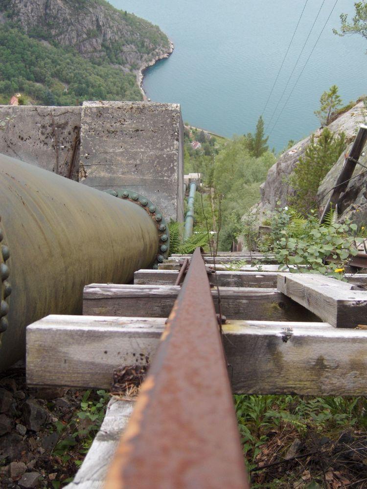 Schodiště se 4 444 schody Florli v Norsku.