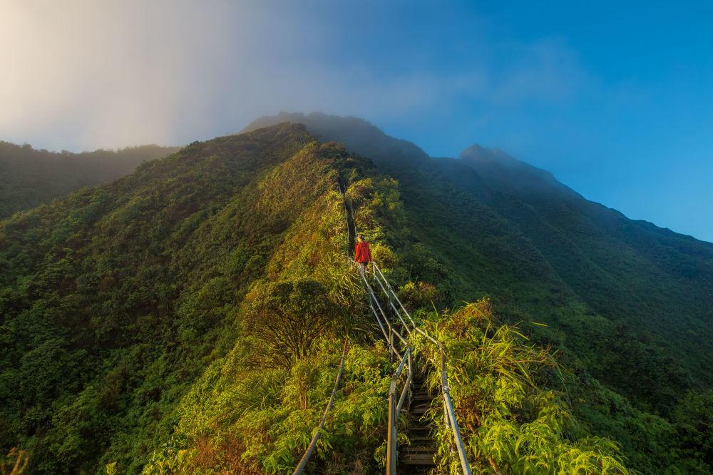Schody Haiku Stairs na Havaji, USA.