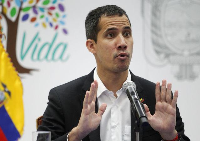 Předák venezuelské opozice Juan Guaidó