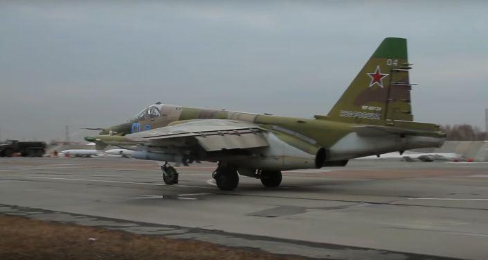 Střelba posádek Su-34 a Su-25 na pozemní cíle v kvalifikační fázi soutěže Aviadarts 2019