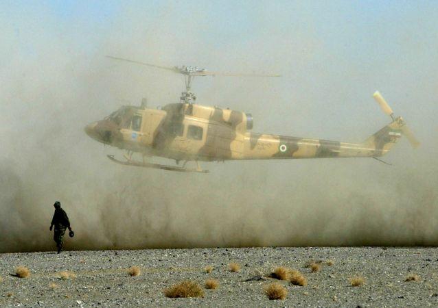 Íránský vojenský vrtulník. Archivní foto