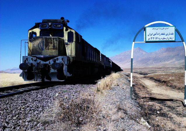 Vlak v Íránu