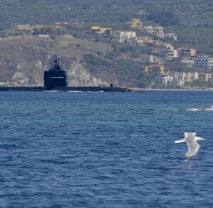 Americká jaderná ponorka Newport News u řeckého pobřeží