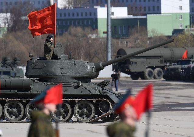 Čest, hrdost, statečnost. V Rusku se konala zkouška přehlídky Dne vítězství