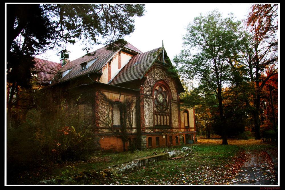 Opuštěný nemocniční komplex Beelitz-Heilstätten, Německo