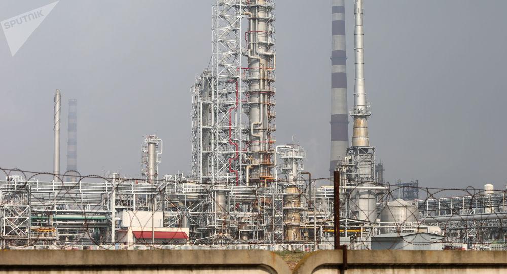 Závod na zpracování ropy v Bělorusku