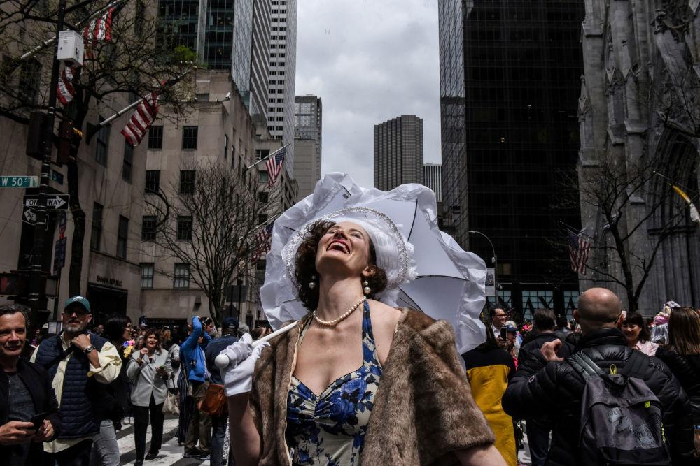 Účastníce velikonoční přehlídky klobouků v New Yorku
