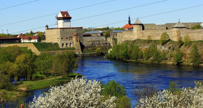 Hranice Estonska a Ruska