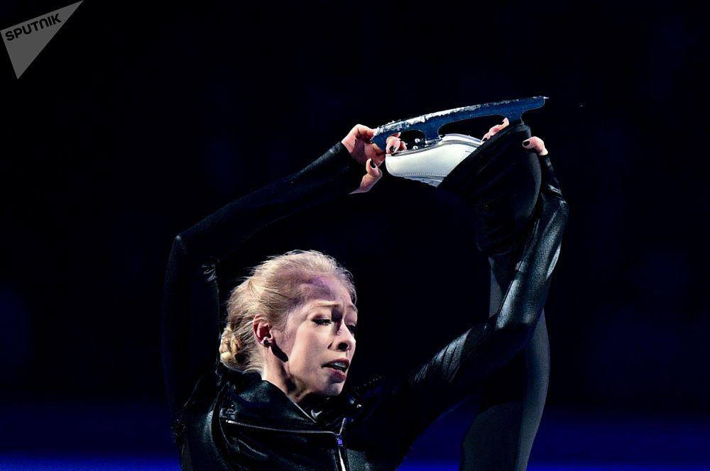 Američanka Bradie Tennellová během představení na mistrovství světa v krasobruslení v Saitamě