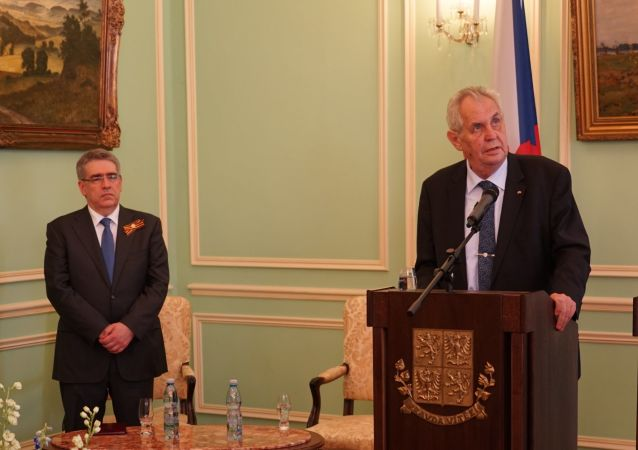 Miloš Zeman se zúčastnil oslav výročí konce druhé světové války na ruském velvyslanectví v Praze, 2018