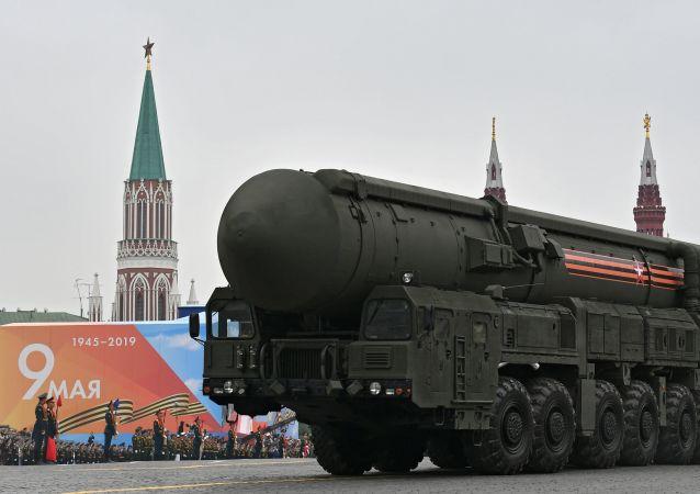 Autonomní raketové komplexy JARS během přehlídky vítězství v Moskvě