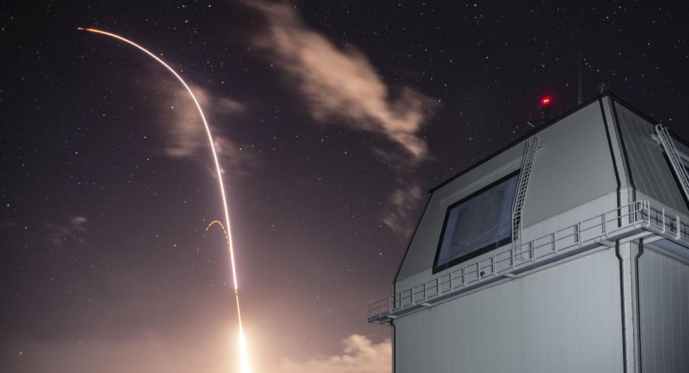 Americká antiraketa SM 3 Block IIA