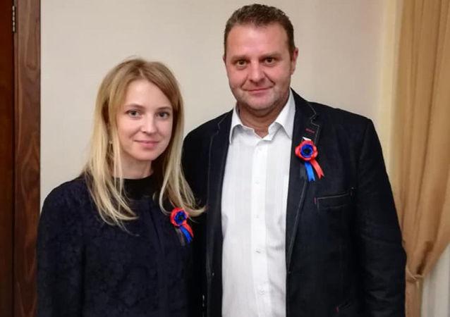 Český poslanec Zdeněk Ondráček a ruská politička Natalja Poklonská