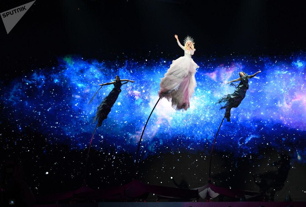 Kate Miller-Heidke - reprezentantka Austrálie s písní Zero Gravity během zkoušky prvního semifinále Eurovize 2019 v Tel Avivu