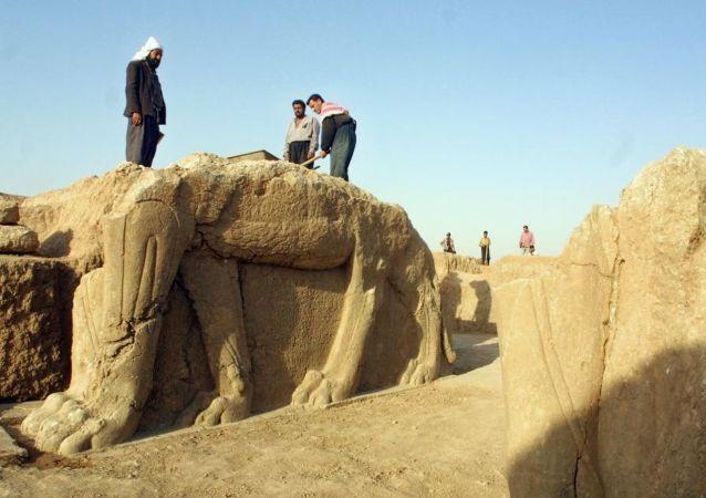 Archeologické vykopávky ve městě Nimrud