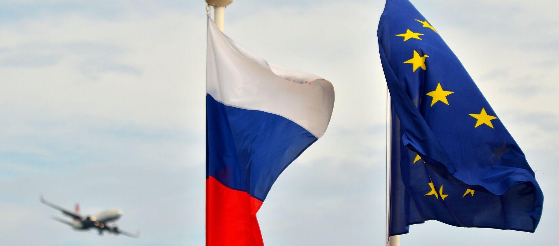 Vlajky Ruska a EU - Sputnik Česká republika, 1920, 13.02.2021