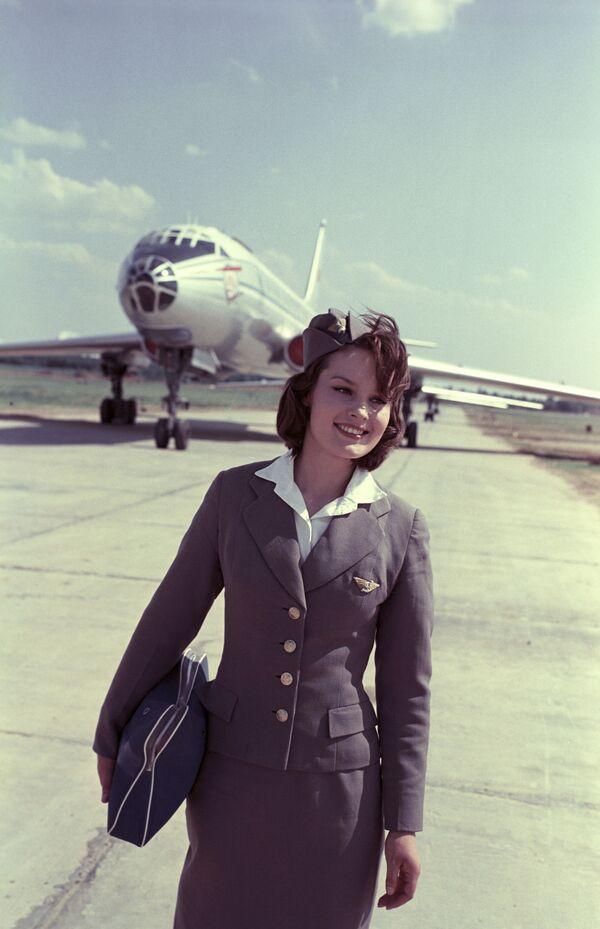 Letuška na letišti Šeremetěvo V. Kuprijanova, 1964 - Sputnik Česká republika