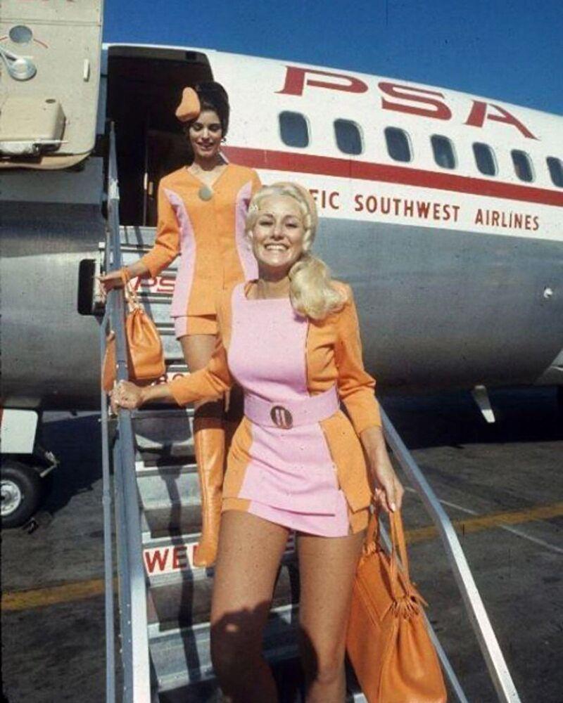 Letušky aerolinek Pacific Southwest Airlines, 1960