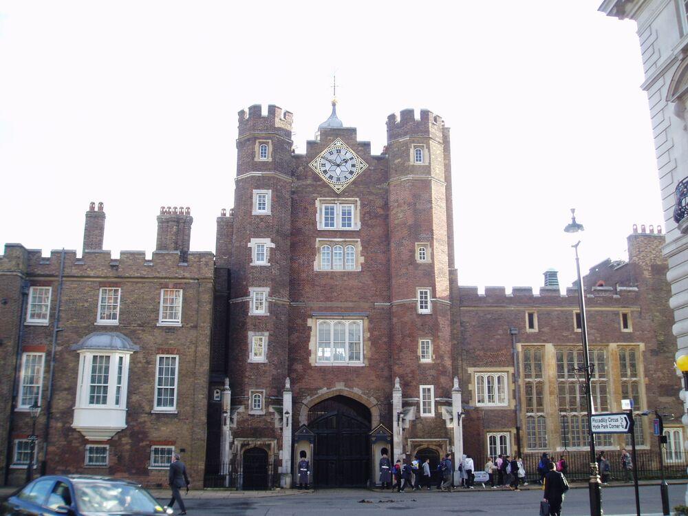 Jedno z nejstarších královských sídel v Londýně - Palác sv. Jakuba.