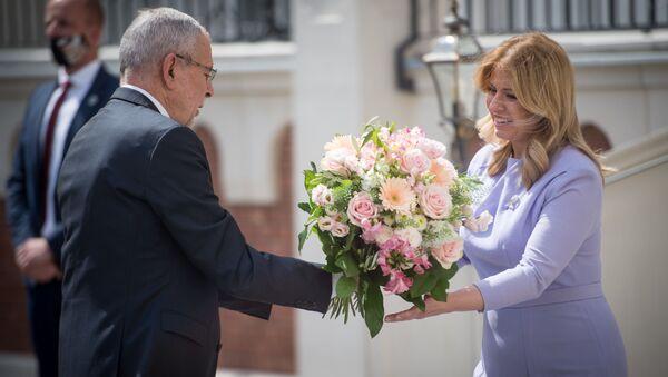 Prezidentka Slovenské republiky Zuzana Čaputová přivítala rakouského prezidenta Alexandra Van der Bellena na zámku Šimák v Pezinku - Sputnik Česká republika