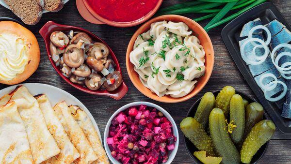 Slavnostní stůl ruské národní kuchyně - Sputnik Česká republika
