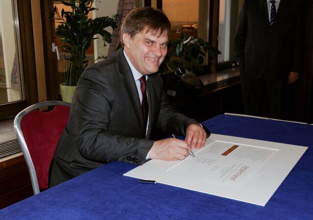 Bývalý velvyslanec v Německu Rudolf Jindrák. Nový zmocněnec pro konzultace s Ruskem