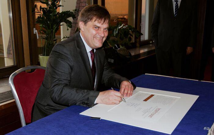 Bývalý velvyslanec v Německu Rudolf Jindrák. Zmocněnec pro konzultace s Ruskem