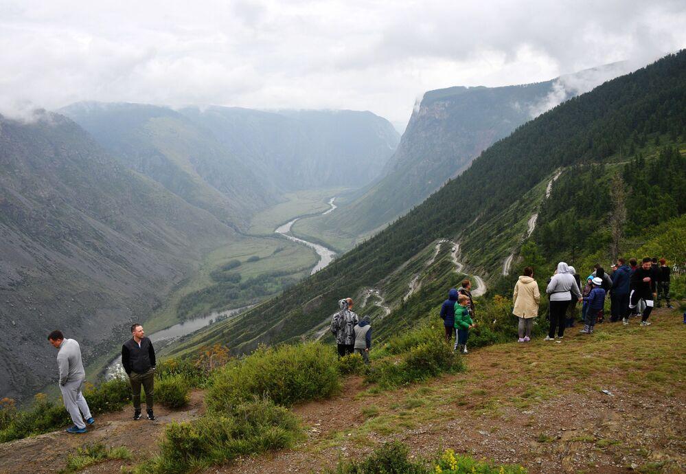 Uniknout ze shonu: turisté z celého Ruska přijíždějí odpočívat na Altaj